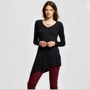 NEW Mossimo Black V-Neck Asymmetrical Hem Sweater